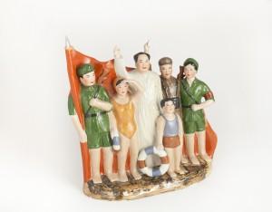 Mao e i nuotatori dopo la traversata del fiume Yangtzé