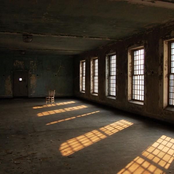 Valentina Angeloni, Hope II, Ellis Island, 2007, 30x45